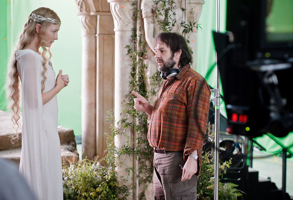 Cate-Blanchett-and-Peter-Jackson-on-set-in-The-Hobbit-An-Unexpected-Journey