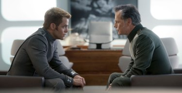 Chris-Pine-and-Bruce-Greenwood-in-Star-Trek-Into-Darkness