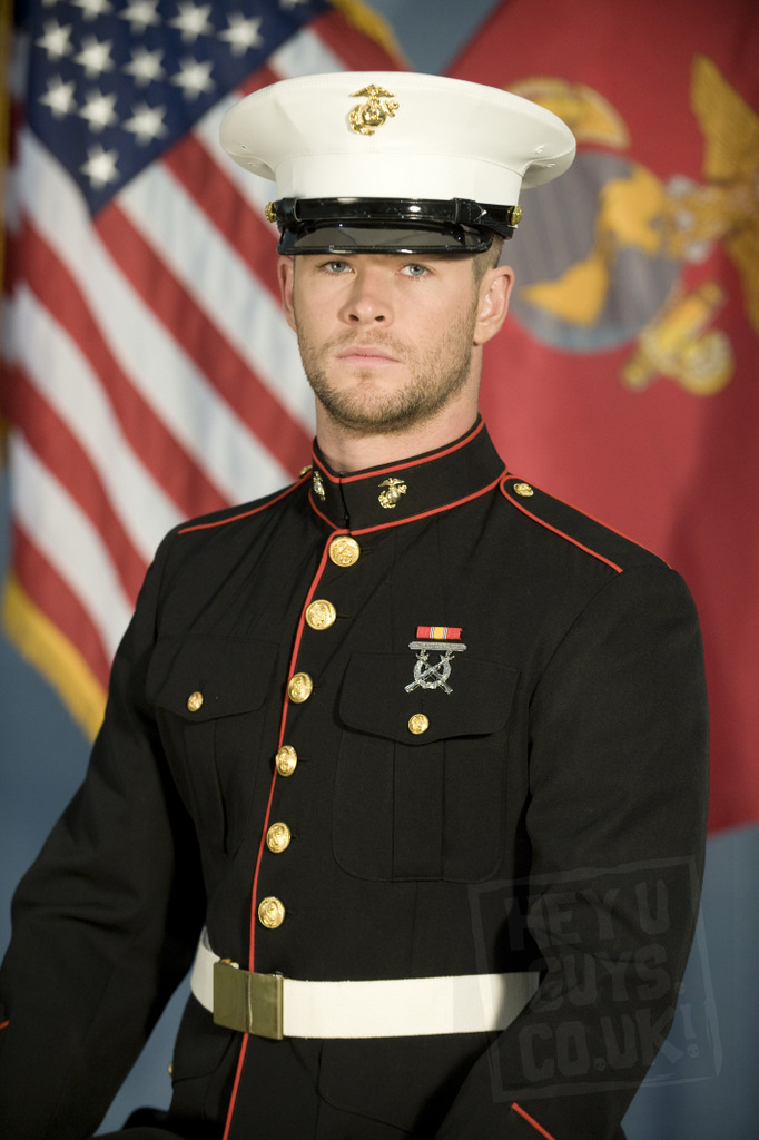 Chris-Hemsworth-in-Red-Dawn