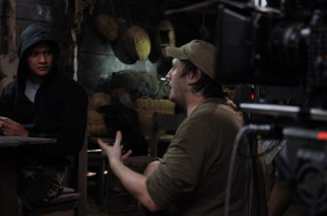 Gareth-Evans-on-set-of-The-Raid-2
