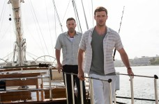Ben-Affleck-and-Justin-Timberlake-in-Runner-Runner