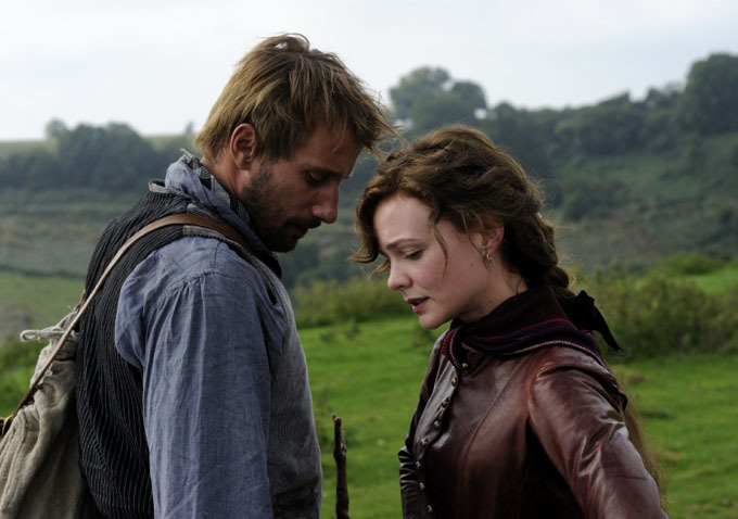 Matthias-Schoenaerts-and-Carey-Mulligan-in-Far-from-the-Madding-Crowd