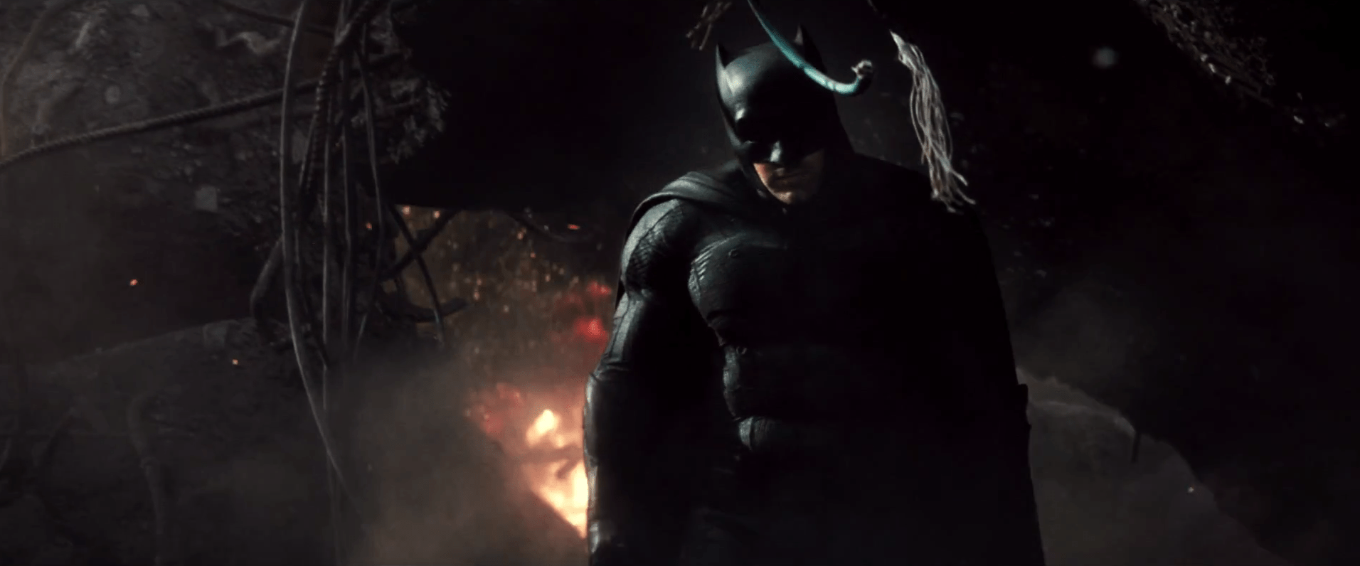10 Things to Note in the First Trailer for Batman v Superman
