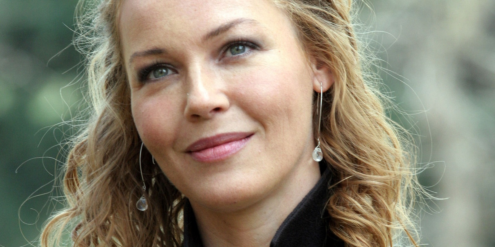 Connie Nielsen to play Wonder Woman's mother in DC Comics ...