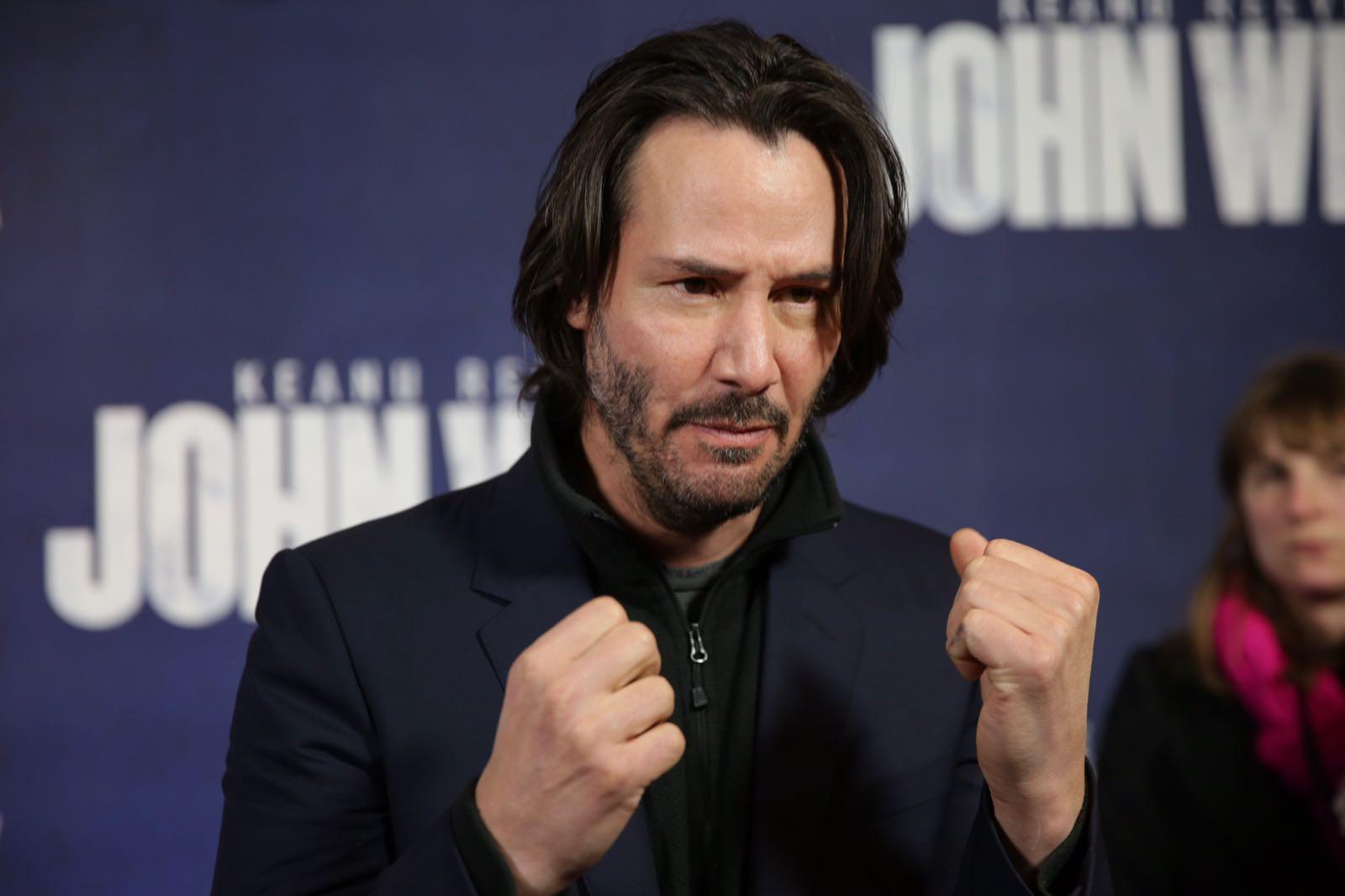 John Wick Chapter 2 Premiere Interviews | Keanu Reeves | Laurence