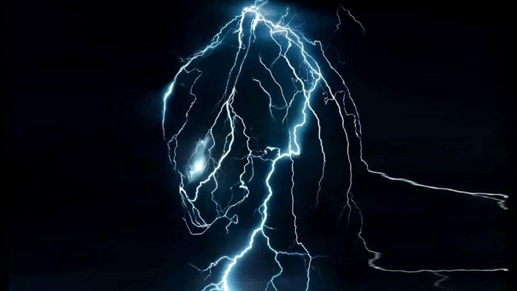 'The Predator' Image Shows The Alien Hunter In Action