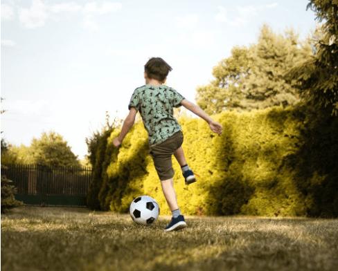 kid footballing