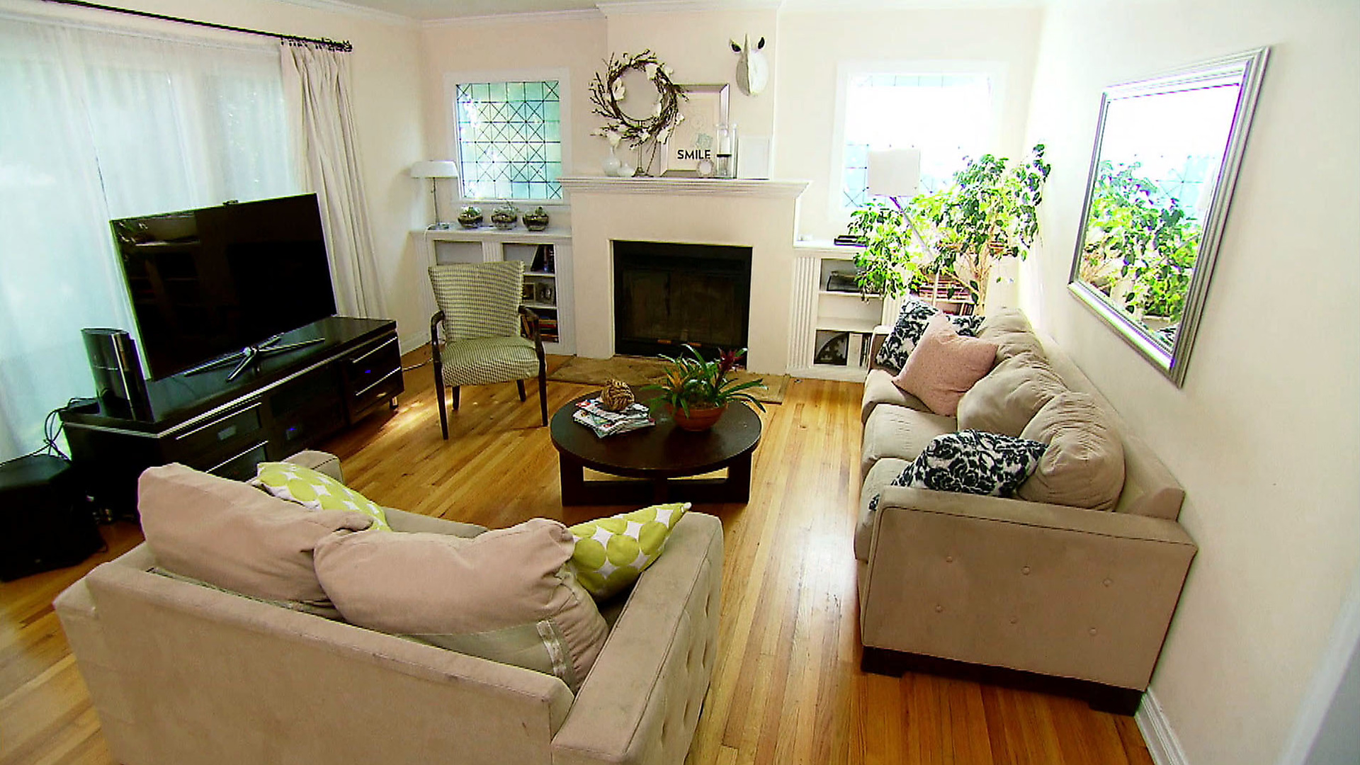 New living room remodeling ideas house floor ideas for Eclectic apartment decorating ideas