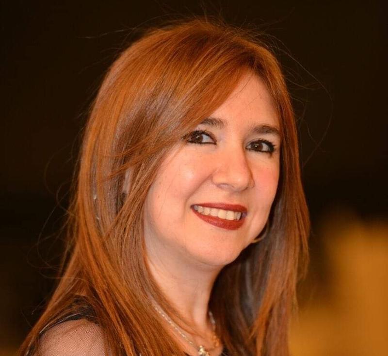 دينا عبد الله تتعرض لحادث سير