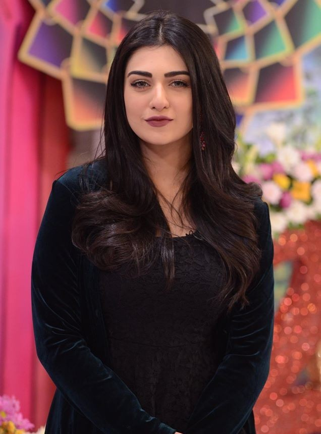 Sarah Khan HD pictures gallery
