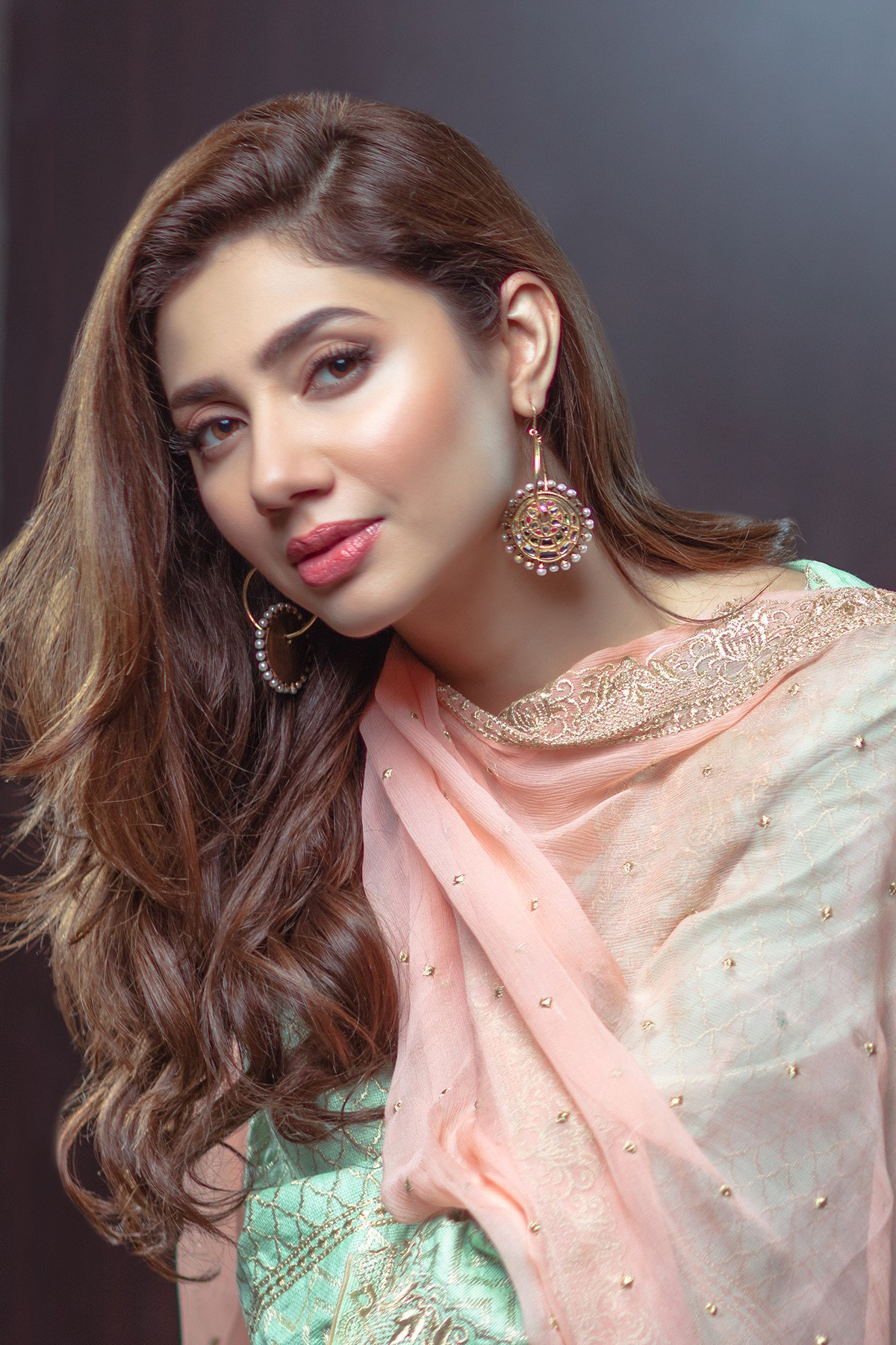 Mahira Khan admits feeling shy watching Raees' song Zaalima for the first  time