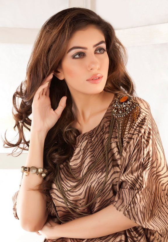 Sadia Faisal hot Pakistani actress