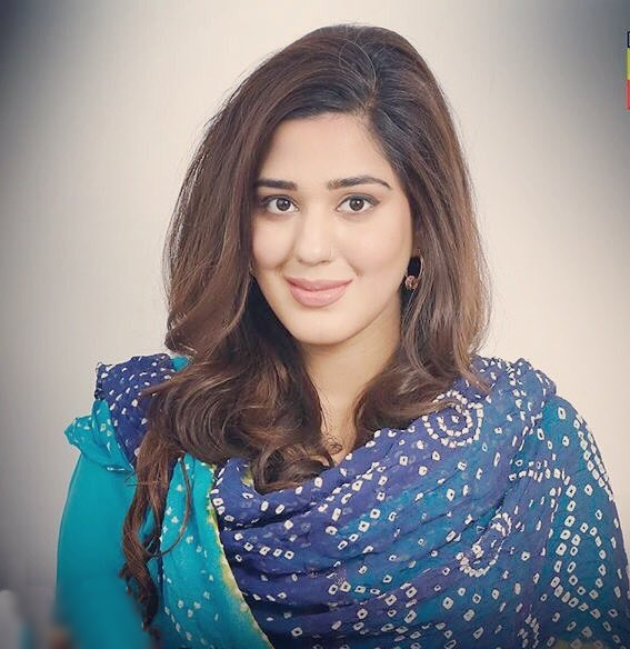 Zainab Ahmed Pakistani hot actress