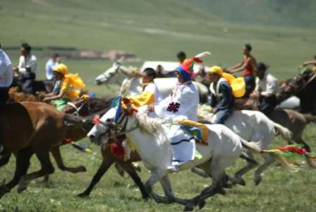 16 days Tour to the Tibetan Horse Racing Festivals Yushu und Litang
