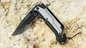 Two of the Best Survival Knives for the Outdoors