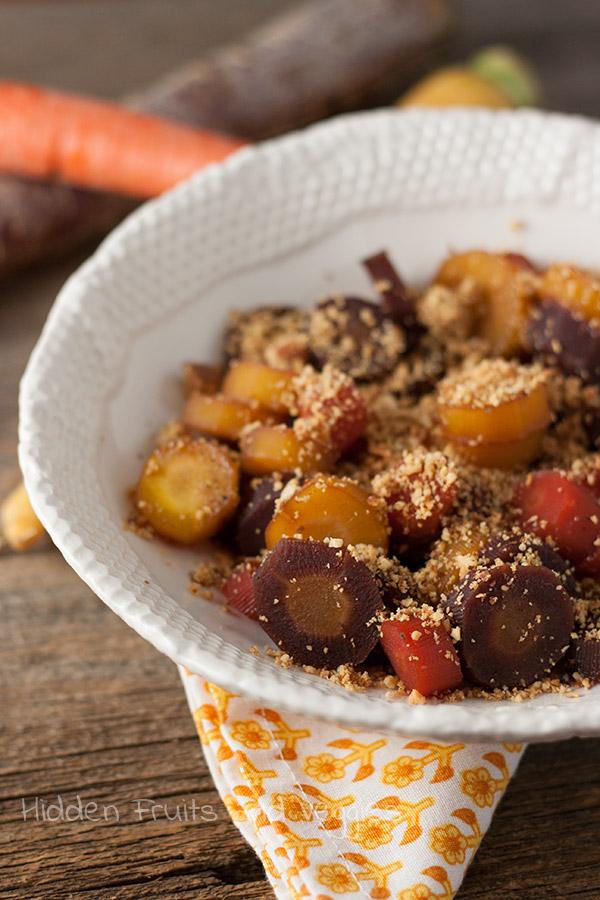 Honey Carrots with Crunchy Honey Mustard Topping @hiddenfruitnveg