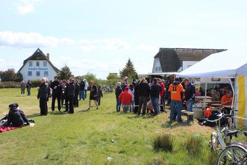 Impressionen vom Herrentag-Fußball 2012 in Neuendorf