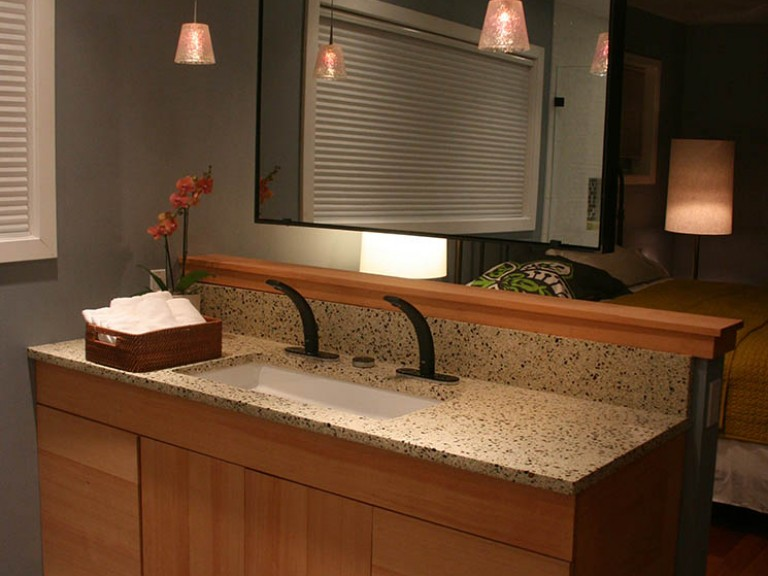 Vanity TV Mirror (Turned Off) in Bath Crashers Hi-Tech Seattle B