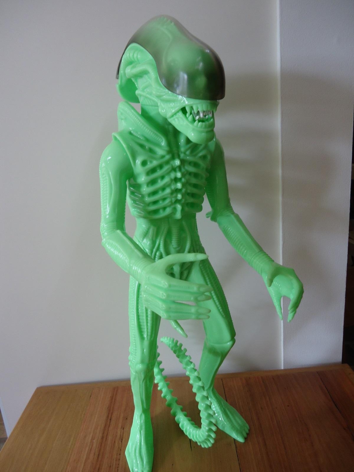 24 inch tall Gentle Giant glow in the dark ALIEN action figure.