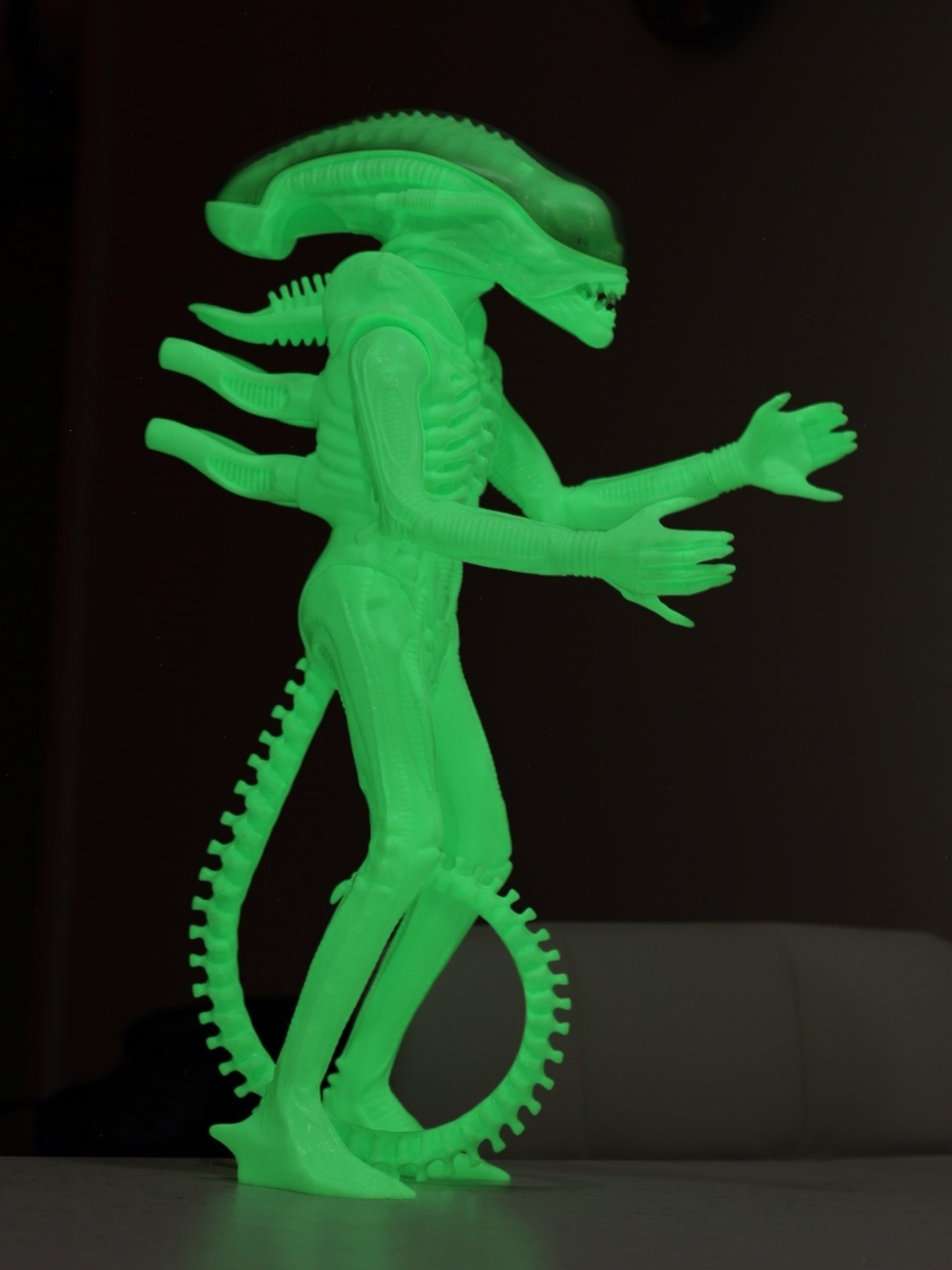 24 inch tall Gentle Giant glow in the dark ALIEN action figure with lights out.