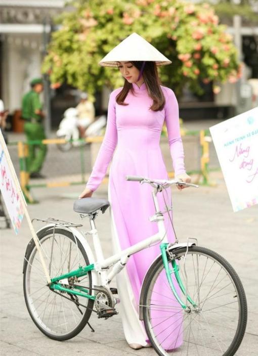 ao-dai-made-per-order-lilac-silk-dress-white-satin