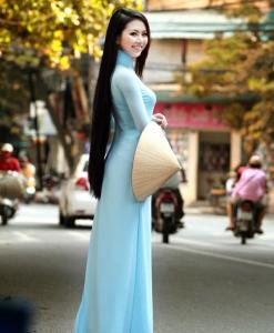 Ao-Dai-light-blue