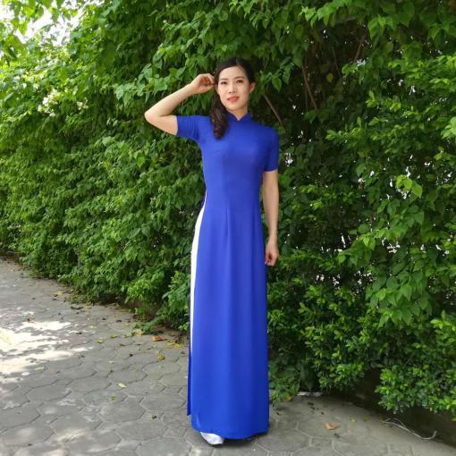 Royal-Blue-Silk-White-Pant-Ao-Dai