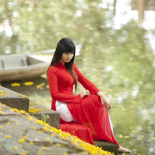 Hien-Thao-Ao-Dai-Red-White