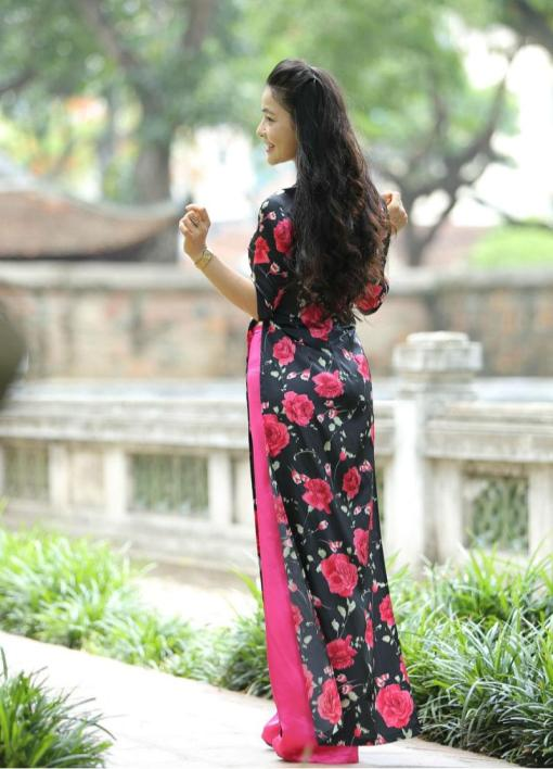 ao-dai-custom-made-black-and-pink-floral-rose