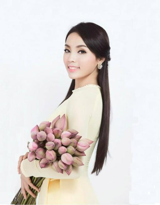 Yellow Ivory Chiffon Ao Dai Vietnam