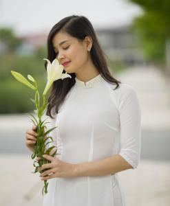 White Chiffon Ao Dai Viet Nam