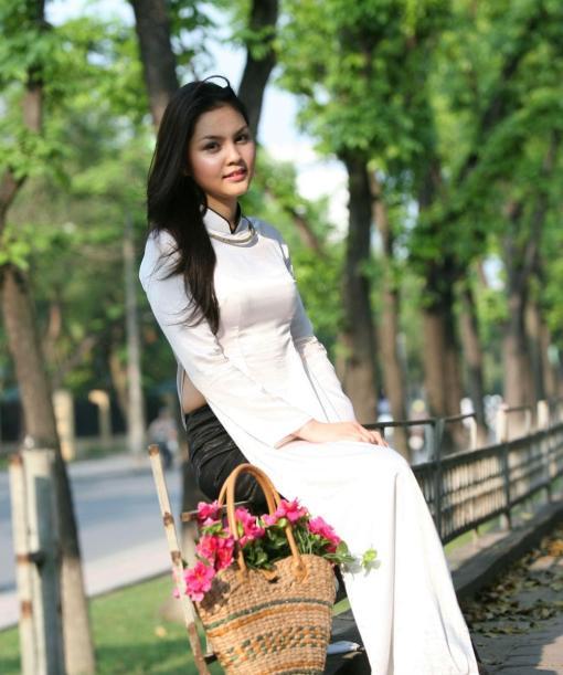 Ao Dai Vietnam White Silk 2