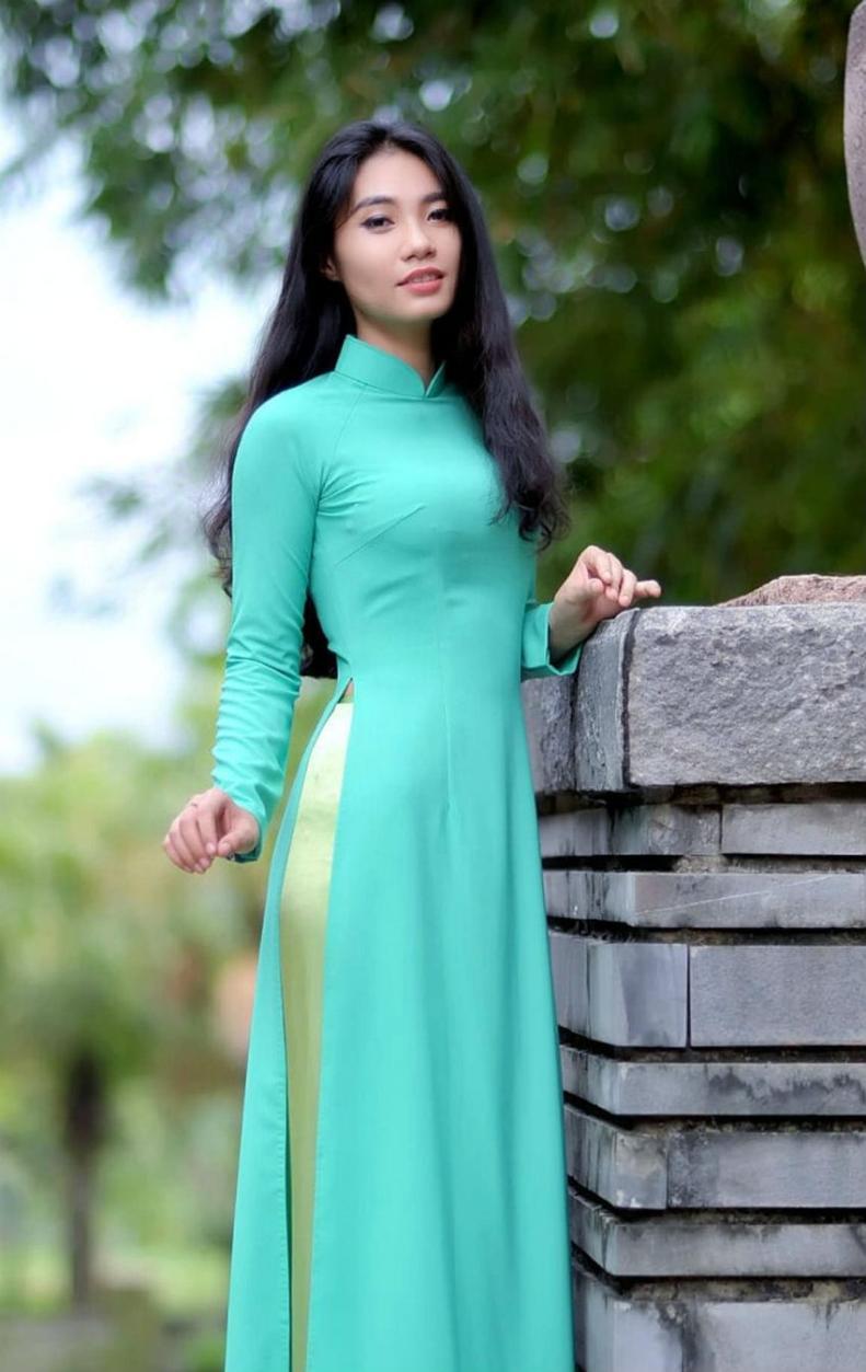 Ao dai Vietnam | Áo dài Việt Nam Model: Giao Tam | Vu Bui