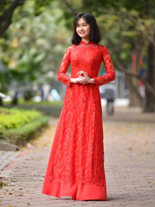 Red Lace Ao Dai 3