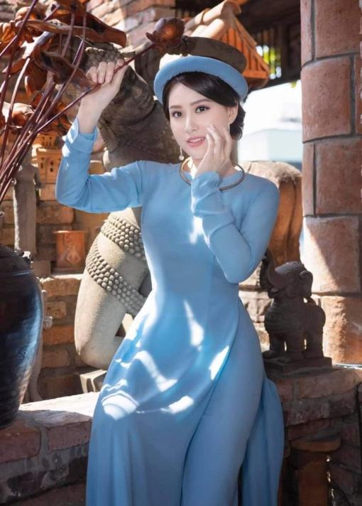 Azul brumoso Ao Dai Vietnam1