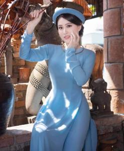 Bleu brumeux Ao Dai Vietnam 1