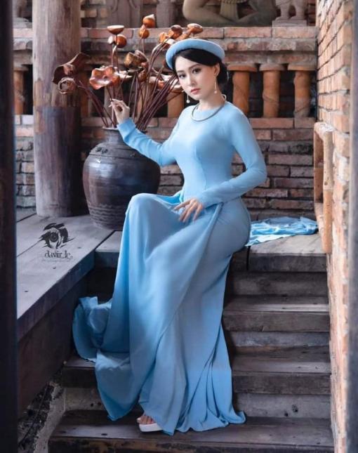 Azul brumoso Ao Dai Vietnam 4