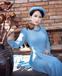 Bleu brumeux Ao Dai Vietnam