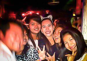 Thai en de Karaokebar