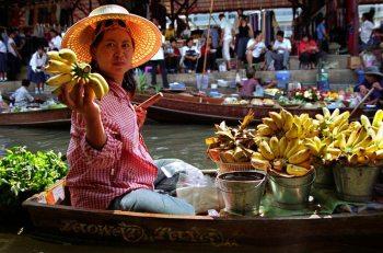 drijvende markt van Damnoen Saduak