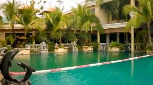 zwembad in Mae Phim Beach Resort