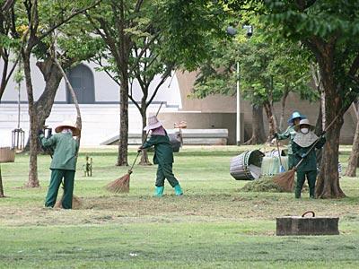 Lumpini Park wordt schoongemaakt