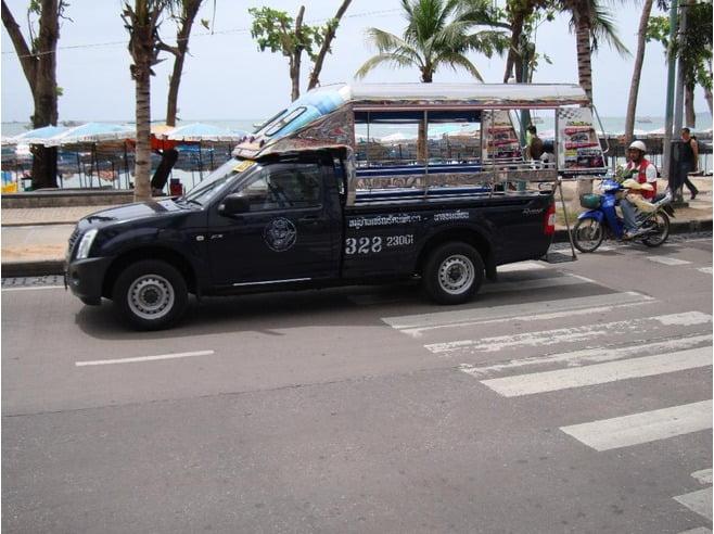 eerlijke baht bus chauffeur in Pattaya