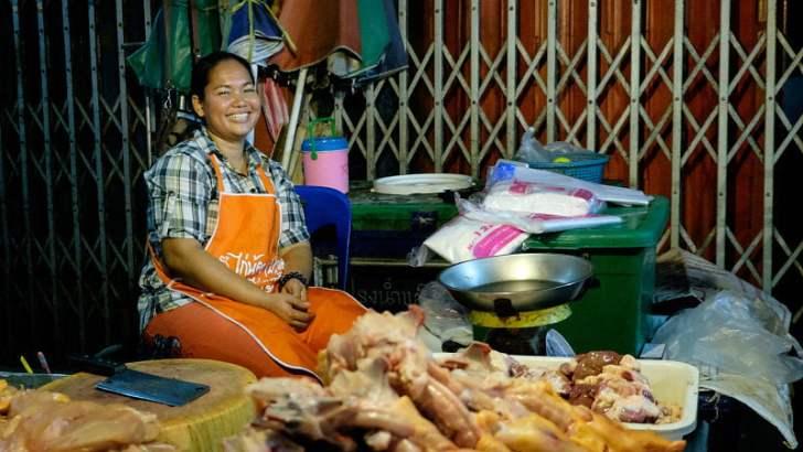 De markt van Pak Chong