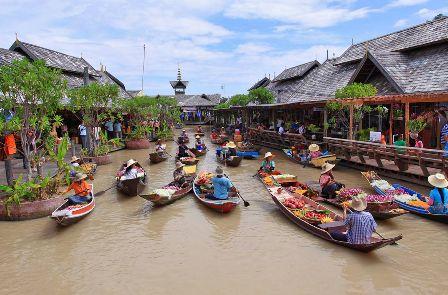 Pattaya Floating Market (video)