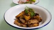 Thaise vegetarische gerechten: Tao Hu Gratium Prik Thai