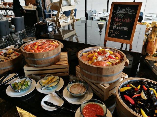 Eten in het Compass Skyview Hotel