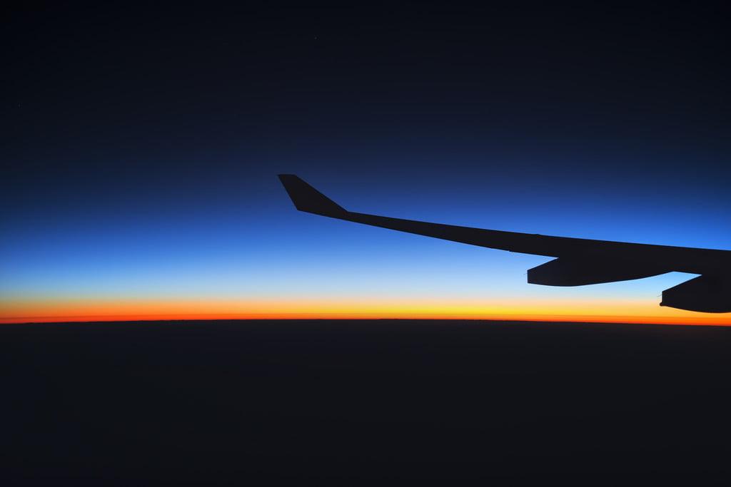 slapen in het vliegtuig naar Thailand