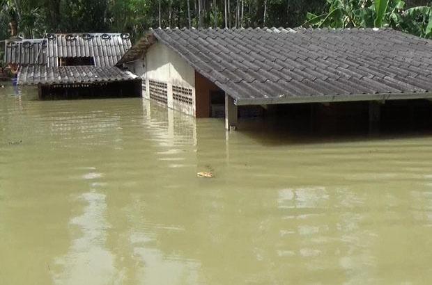 Wateroverlast ebt weg in Thailand