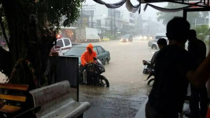 Ook overstromingen op de Thaise eilanden